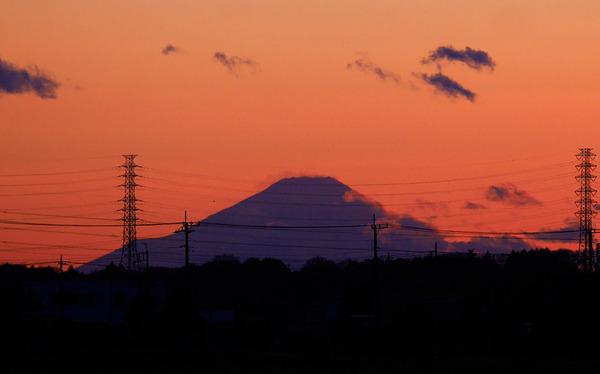 筑波山麓から望む富士山の夕景