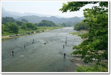 久慈川の鮎釣り(大子町)