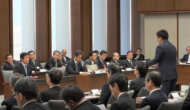 県議会予算特別委員会