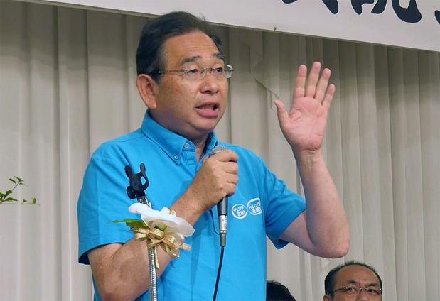 大井川かずひこ個人演説会で挨拶する井手よしひろ義弘県議