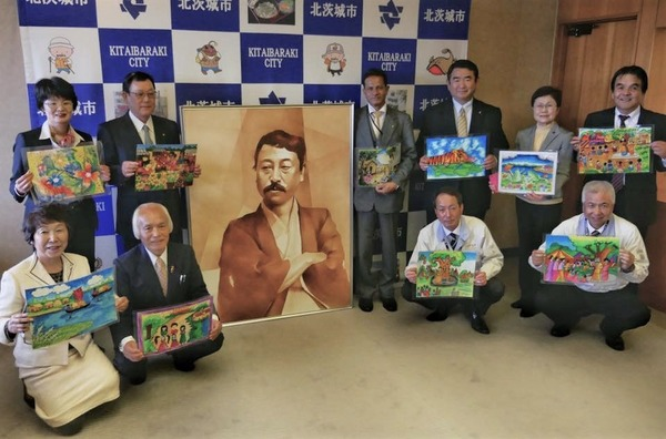 岡倉天心の肖像画の贈呈式