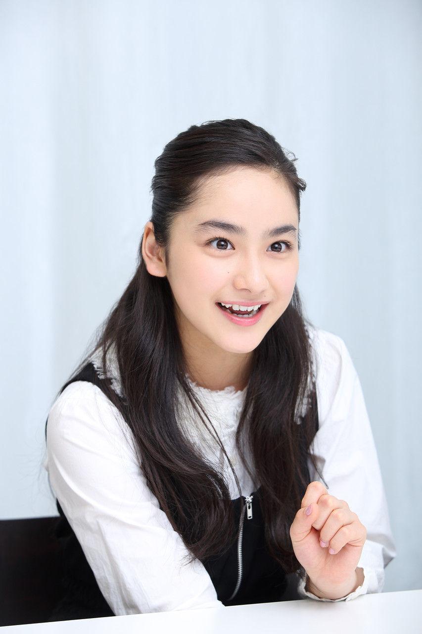 【画像6枚】平祐奈、美デコルテが眩しい大人の魅力