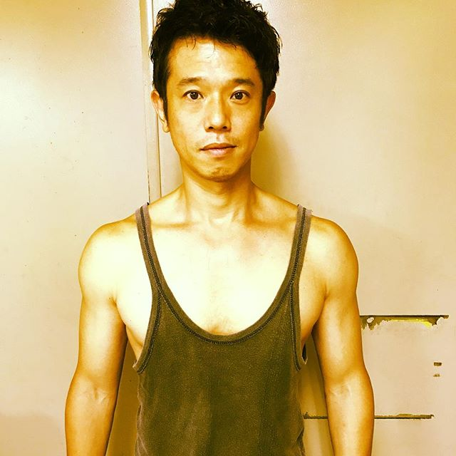 """【衝撃】""""ナルシスト""""庄司智春、筋肉見過ぎトレで慢性のストレス状態と診断"""