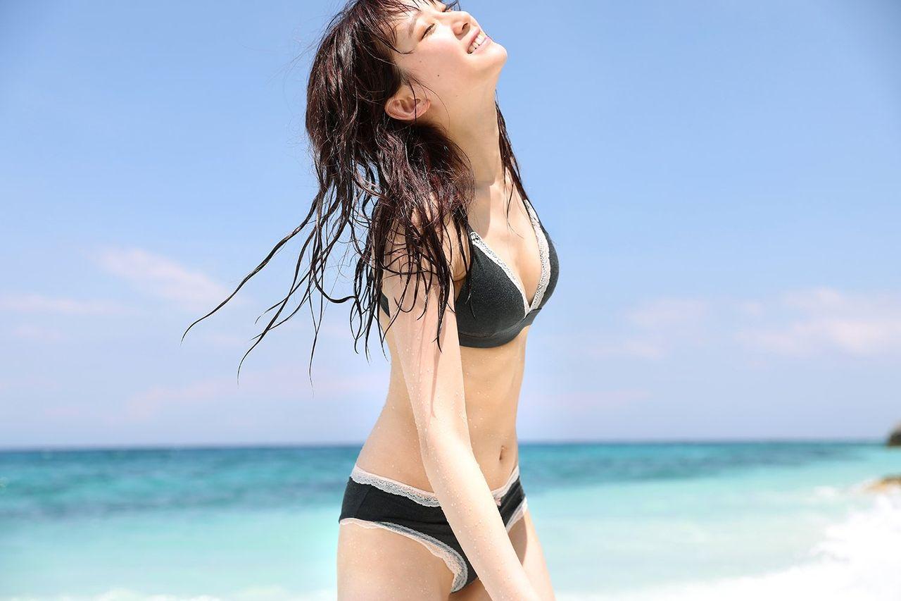【画像12枚】「LADYBABY」金子理江、セクシーランジェリー&水着で圧巻スタイル惜しみなく披露
