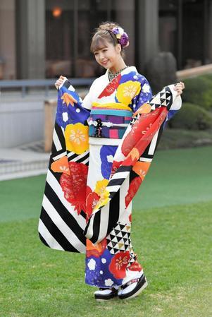藤田ニコルさんの晴れ着姿にファンから大反響wwwwww