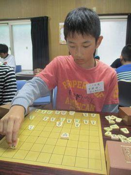 �初優勝した里頭諒一34級(50)