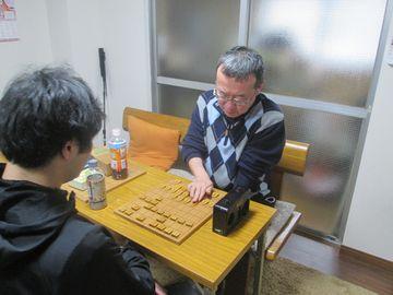 �5度目優勝の若島靖三段(右)VS杉原光一4級