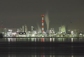 工場夜景 前田木材