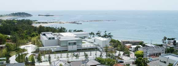 神奈川近代美術館