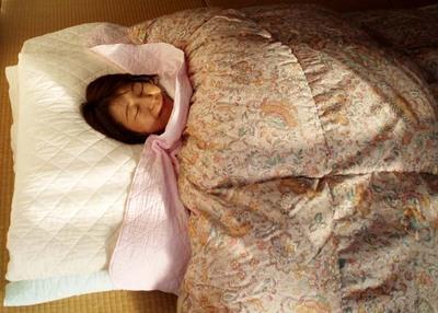 パシーマに包まれて寝ている私