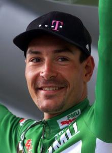 元自転車選手エリック・ツァベル(ドイツ)、1996年のみとしていた ...