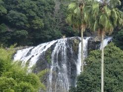 竜門滝 遠景