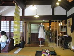 蒲生茶廊 zenzai 店内