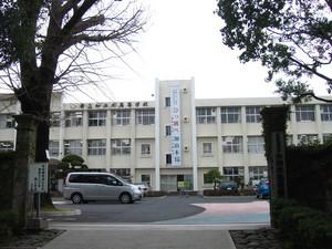鹿児島県立加治木高校正門