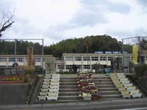 薩摩川内市立上手小学校正門
