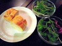 イル・ジョカトーレ−サラダとパン