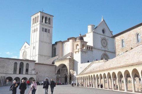 2層構造の大聖堂