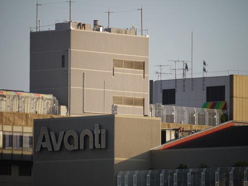 Avanti クローズアップ from 京都駅ビル by DMC-G1 + H-FS045200