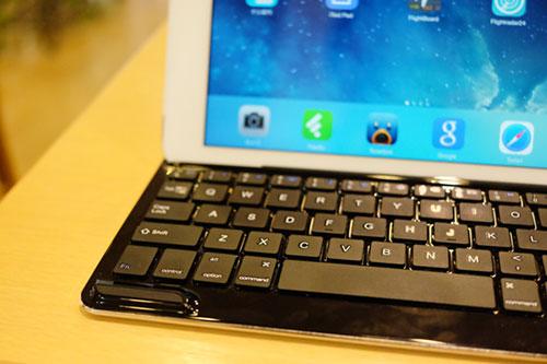 AnkerKeyboardCover_iPadAIr13