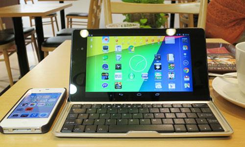 Nexus7_2013Keyboard19atCafe1