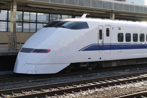 駅を出発する新幹線@静岡駅 by DMC-G1