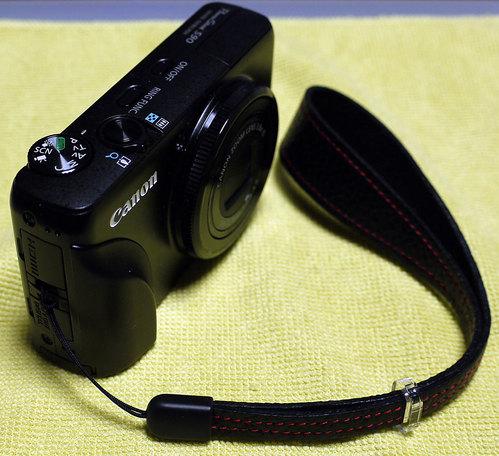 PowerShot S90 with AkiAsahi.com Strap (2)