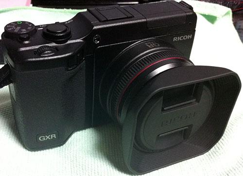 GXR_A12_28mm_Hood