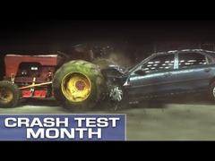 車vsトラクター衝突テスト