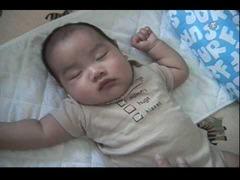 赤ちゃんを寝かす10秒で