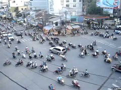 ベトナム・ホーチミン交差点バイク