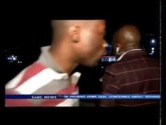 南アフリカTV生放送中に強盗