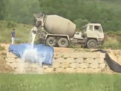 生コン車韓国散水