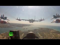 ロシア空軍アクロバット飛行