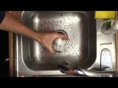ゆで卵の殻をむく方法