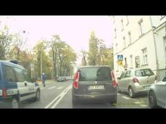 信号無視ポーランド警察