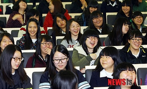【韓国】高3受験生、大爆笑11