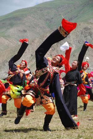 【中国】 チベット族 美しい民族衣装 絶滅 共産党