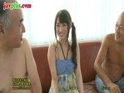 ロリ系超美少女がハゲ親父&息子と3P!どっちのチンポが気持ちいい!?www(愛沢かりん)