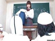 羨ましすぎる性教育w生徒の一人が教卓の上でM字オナニーしながらおまんこ観察させます