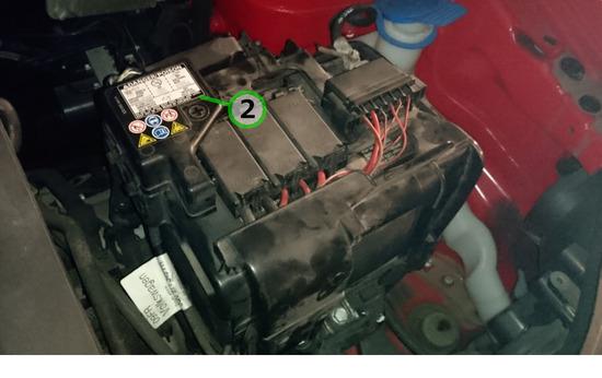 ②フォルクスワーゲン・ポロ(GH-9NBBY) バッテリー交換