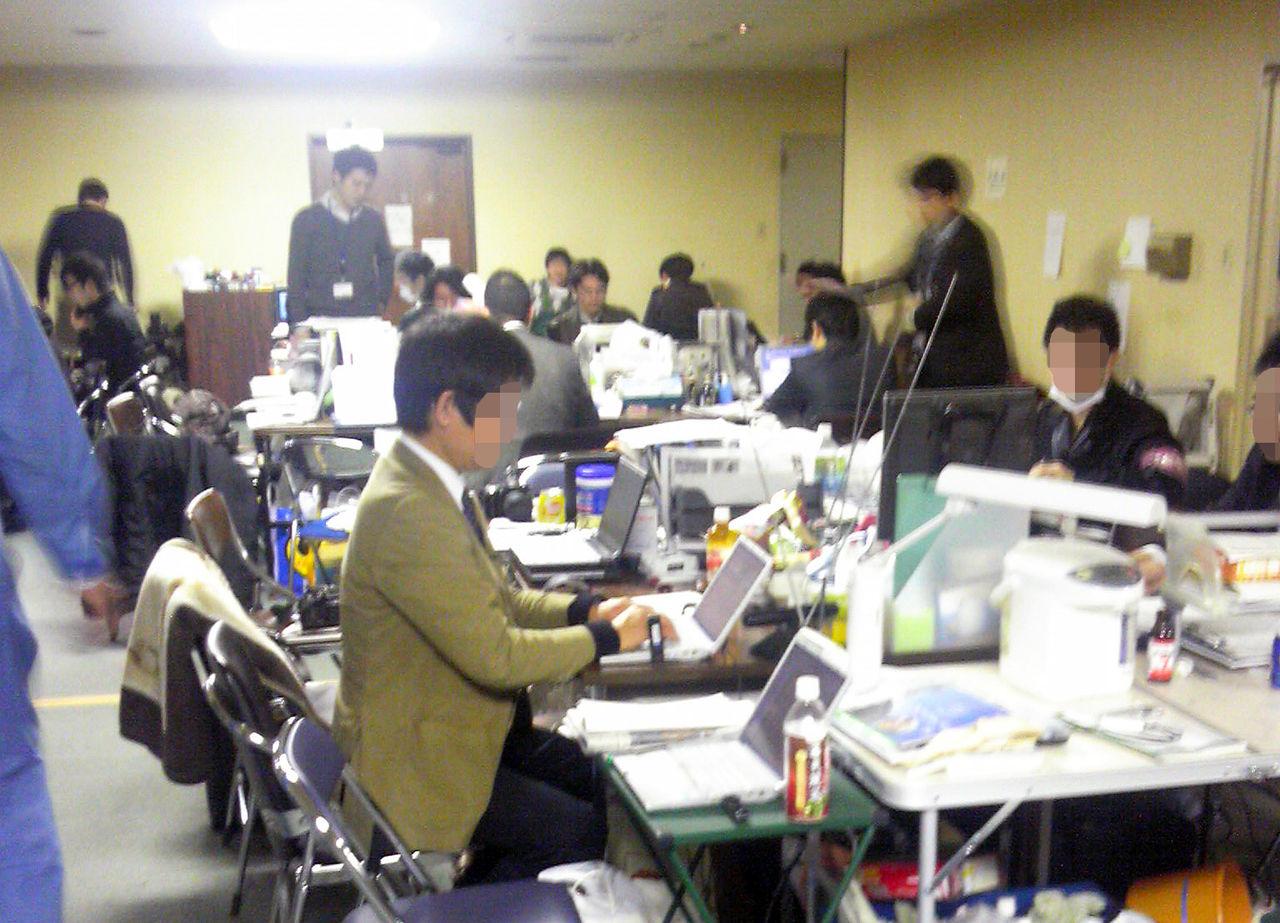 福島県庁の報道陣【修正】