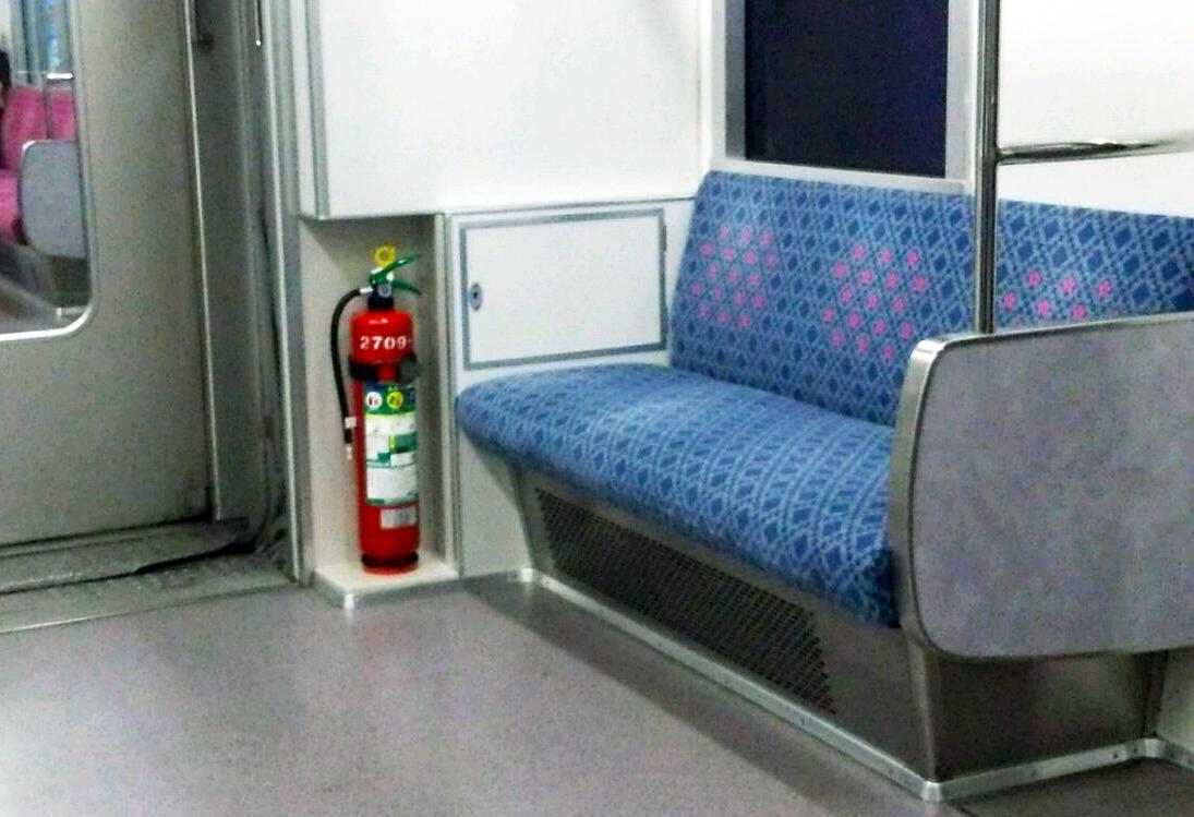 地下鉄車内写真1
