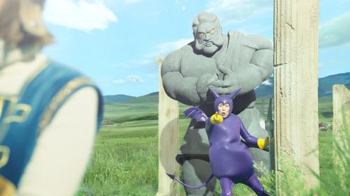 本田翼:「ドラクエ」コスプレ姿で満面の笑み 狩野英孝とCM共演