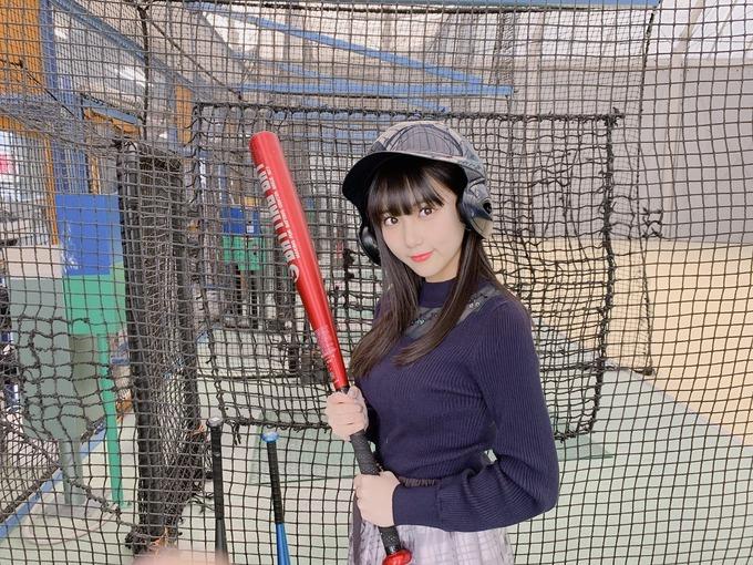 田中美久ちゃん、バッティングセンターで2つのボールがめっちゃ大きい件wwwwwwww