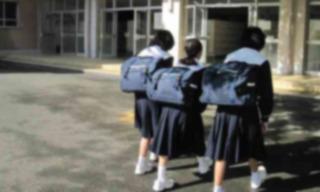 「12kgのカバンを毎日背負って登下校」 岩下の新生姜社長が娘の現状を知り激怒 学校と話し合いへ