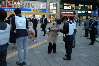 武蔵小杉駅の混雑、JRに対策求め署名運動スタート 改札、ホーム、車内すし詰め「あばら折れちゃう!」