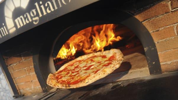 http _cdn.cnn.com_cnnnext_dam_assets_170407162621-naples-pizza