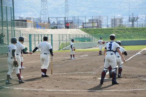 「頭にボール当たったら死ぬぞ」 1年生男子部員、ショックで不登校に 野球部監督(40)謹慎 金沢龍谷高校