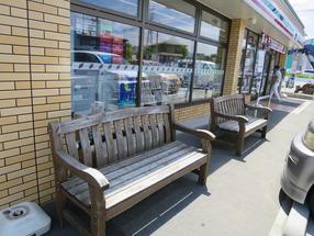 【消費増税対策】 コンビニ店外のベンチで食べても「イートイン」。軽減税率の対象外…国税庁