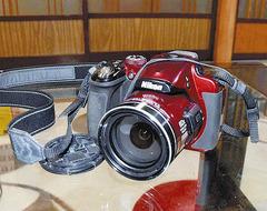 【御嶽山】 1日だけ写真見られた壊れた遺品デジカメ、ニコンが本体とデータを完全に修復
